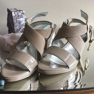 Anne Klein Nude Strappy Heels 7 1/2 NWT